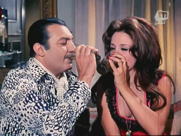 المصري لايت 79 محطة في حياة نجمة صوتها وحش تزوجت ابن