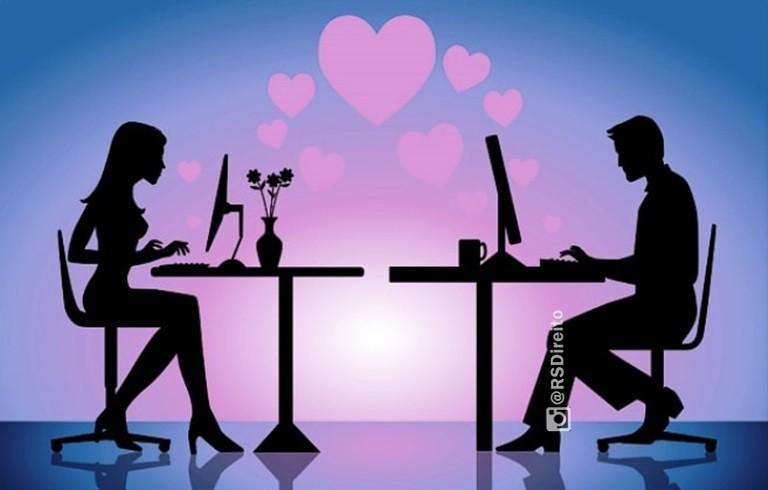 Ex-esposa ajuza ao indenizatria no valor de R 5000000 por suposta infidelidade virtual
