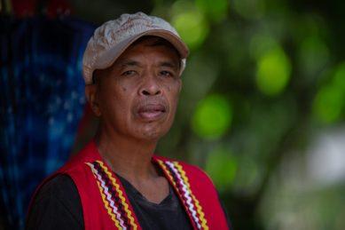 Joseph Sandinao, lider del pueblo indígena Manobo-Higaonon, en Filipinas, fue detenido por la policía por defender su territorio. Foto: Jeoffrey Maitem / Global Witness.