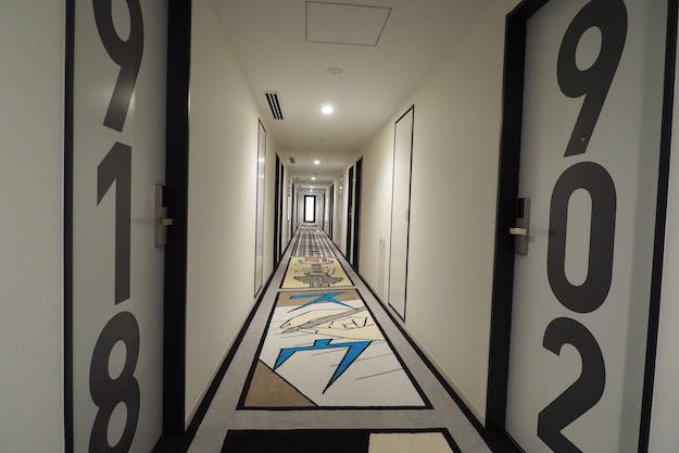 HOTEL TAVINOS 走廊