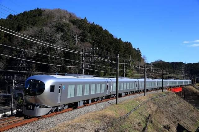 西武鐵道新型特急電車Laview