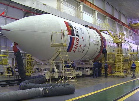 """Rússia promete: """"Angosat 2 em construção será mais sofisticado e vai desenvolver a economia"""""""