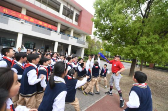 棒球将于4月去扬州,美国职业棒球大联盟第一个棒球慈善课将在扬州开始_TOM站体育