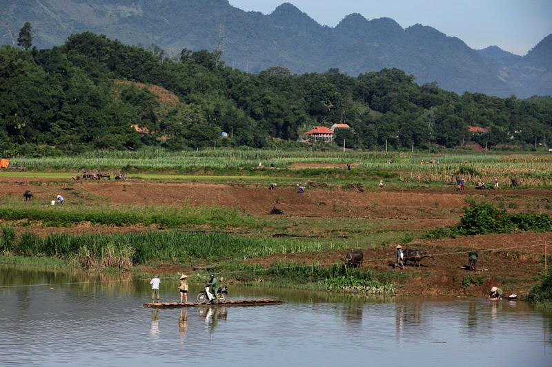 Bè mảng, sông Bưởi, Hòa Bình, Lạc Sơn, chợ phiên, trêu ngươi hà bá