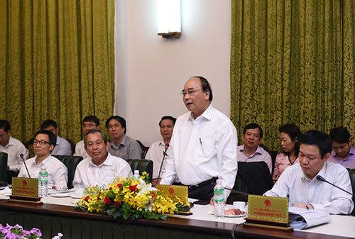 Phạm Chi Lan, Chính phủ, sức ì
