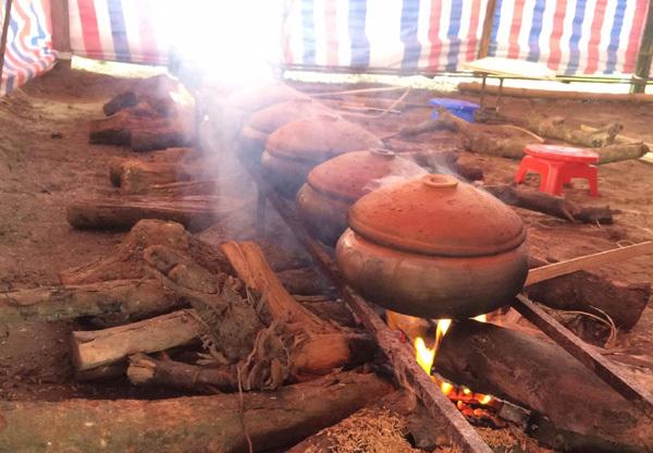 Bí mật 10 loại gia vị có trong nồi cá kho làng Vũ Đại
