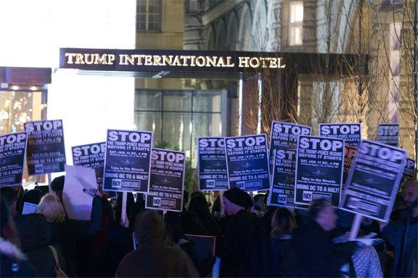 Biểu tình rầm rộ chống Trump trước thềm nhậm chức