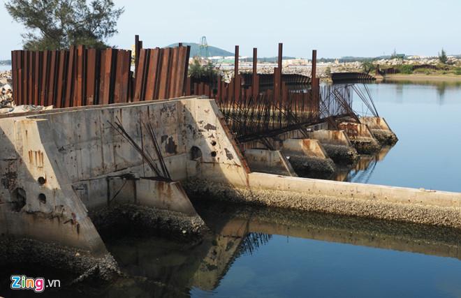 PVN, đóng tàu Dung Quất, Vinashin, Tập đoàn Dầu khí, bộ công thương, dự án thua lỗ
