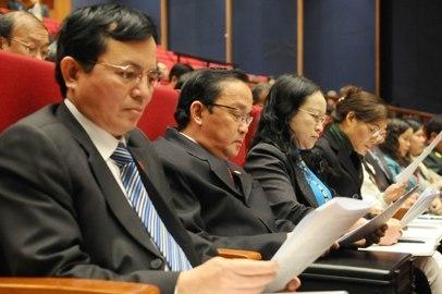 nghị quyết TƯ 4, phê bình, tự phê bình, đảng viên, suy thoái, bỏ phiếu tín nhiệm, Bộ Chính trị, Ban Bí thư
