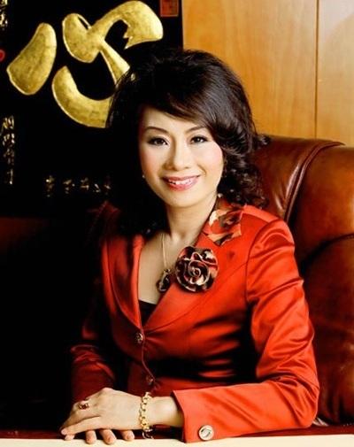 Trương Thị Tuyết Nga, quý bà, lừa đảo, nợ công, lợi ích nhóm, hiệu trưởng Kinh tế Quốc dân