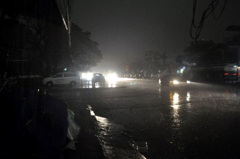 Chuyện lạ, Quảng Ninh, ngày, thành đêm, mưa giông