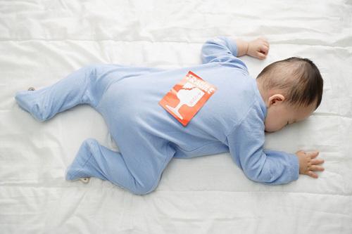 20140507132014 a403f41398397788trengusap Trẻ ngủ sấp sẽ thông minh hơn không ?