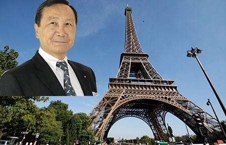 triệu-phú, kinh-doanh, doanh-nhân, đại-gia, Chuc-Hoang, mua-tháp-Eiffel, gố việt