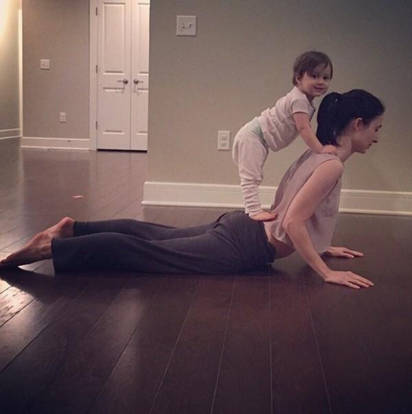 bộ ảnh, tập yoga, cảm động