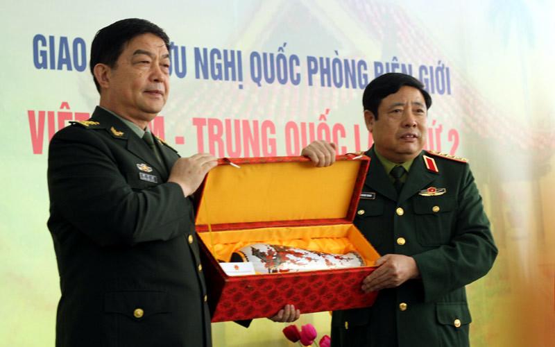Bộ trưởng Quốc phòng, Phùng Quang Thanh, TQ, giao lưu quốc phòng biên giới
