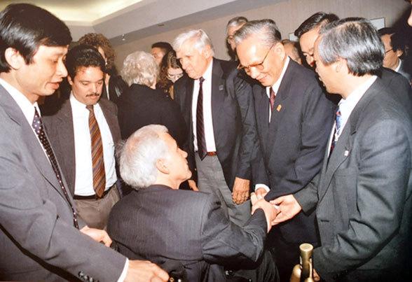 Đại tướng Lê Đức Anh, Việt- Mỹ, Bình thường hóa quan hệ, Chiến tranh, bác sĩ, Nguyễn Cao Phan