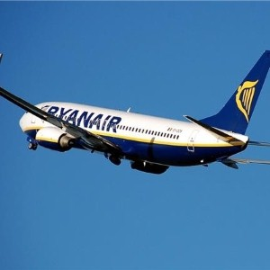 Ryanair sells Hello! on Stansted Airport flights