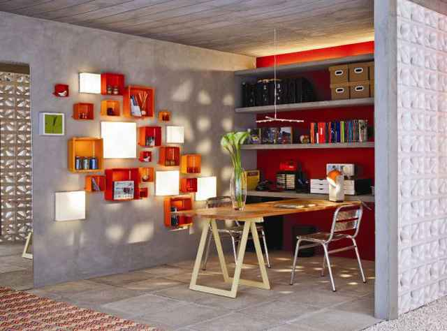 Em um escritório, o mobiliário deve ser prático e a iluminação focada (Leroy Merlin Brasília/Divulgação)
