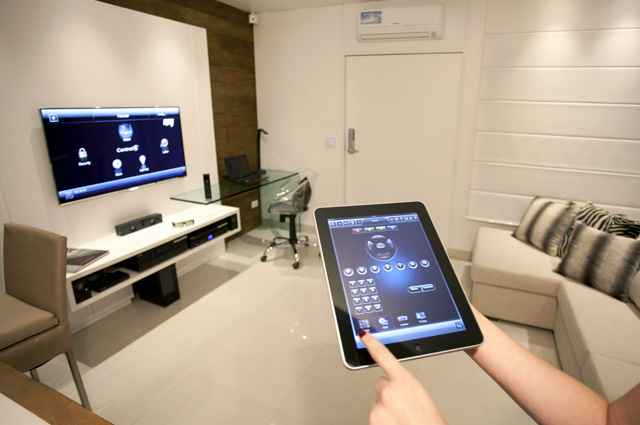 O sistema tem como proposta facilitar atividades do dia-a-dia, através de comandos no tablet ou celular (Reprodução/Internet/telesat.com.br)