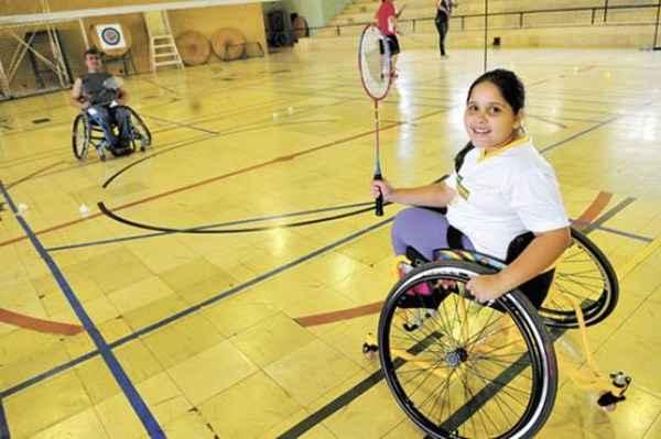 Aos 8 anos, Jade Oliveira faz aulas de natação, badminton e dança: interação social (Bruno Peres/CB/D.APress)