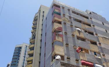 Prédio tem 36 apartamentos, que foram divididos entre as famílias. Foto: Laís Araújo/Esp.DP/D.A Press