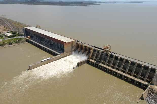 Cerca de 90% da energia consumida pelo Nordeste vem da Usina Hidrelétrica de Sobradinho, na Bahia, que atualmente opera com apenas 24% de sua capacidade. Foto: Alcione Ferreira/DP/D.A Press