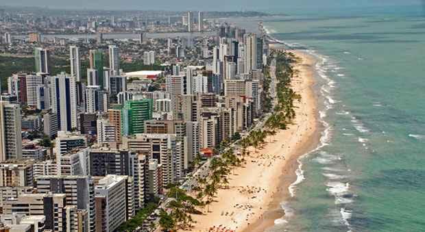 Vista aérea da praia de Boa Viagem, um dos lugares preferidos de Rafaela Aguiar. Foto: Carlos Oliveira/Prefeitura do Recife/Divulgação