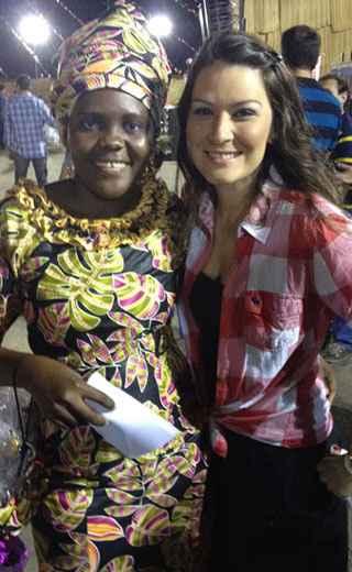 Renata Vasco em festa de São João realizada em Luanda, na Angola. Foto: Arquivo Pessoal/Divulgação