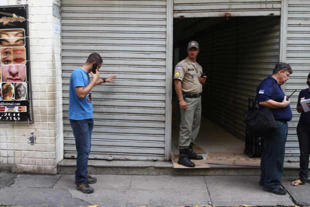 No último sábado, 28 estabelecimentos foram interditados na operação Oriente 3. Foto: Julio Jacobina/DP/D.A Press