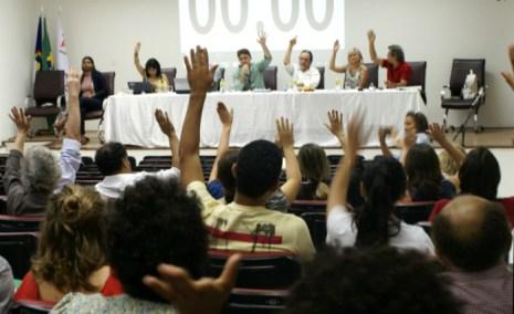 Decisão foi tomada em assembleia nesta quarta. Foto: Adufepe/Divulgação