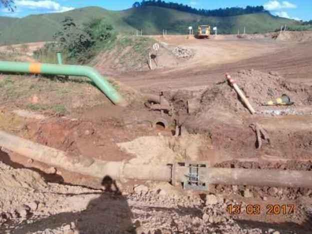 Pelo menos quatro cursos d'água foram atingidos por restos da mineração. Sinais apareceram no domingo