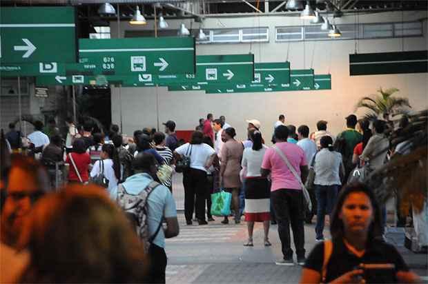 Espera pode não ter fim durante esta segunda na estação Venda Nova (Paulo Filgueiras/EM/D.A Press)