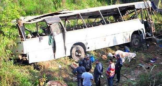 As vítimas foram socorridas para hospitais da região (Jornal dos Lagos/Divulgação)