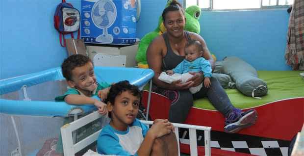 No final doa dia, Maria José, a leoa que cuida das crias, ainda sorri (Paulo Filgueiras/EM/DA Press)