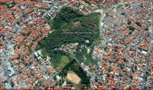 Imagem aérea da Mata do Planalto, na Região Norte de Belo Horizonte (Reprodução/Google)