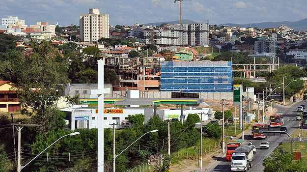O Bairro Floramar tem como destaque um centro comercial e de lazer que serve bem aos moradores (Eduardo de Almeida/RA Studio)