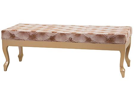 Mesas de pé de cama em capitonê fogem do convencional e são refinadas. Produto da Lider Interiores (Lider Interiores/Divulgação)