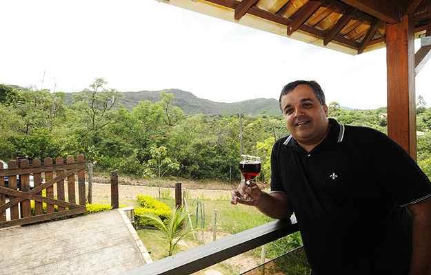 O geógrafo Cláudio Sayão Dias não tem dúvidas de que fez a escolha certa ao se mudar para um condomínio   (Jair Amaral/EM/D.A Press)