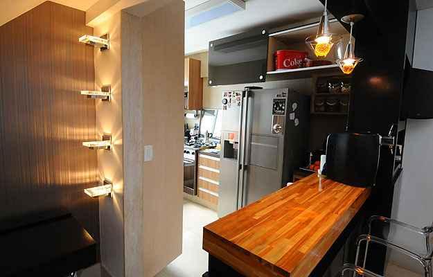 A cozinha foi totalmente refeita para se integrar à sala (Euler Junior/EM/D.A Press)