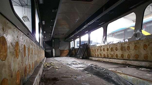 Restauração do ônibus durou três meses. Veículo ganhou ar-condicionado (Viação Cometa/Divulgação)