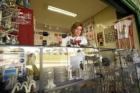 A comerciante Sibele Lucchesi lembra que economistas falaram sobre a crise pós-Copa (Ed Alves/CB/D.A Press)