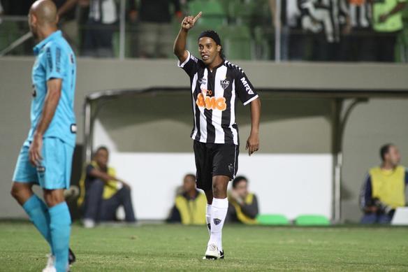 Confira imagens da torcida da partida entre Atlético x Santos - Rodrigo Clemente/Esp. EM/D.A Press.