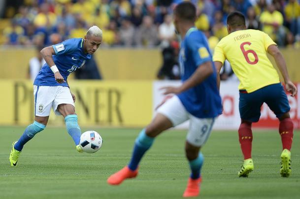 Imagens do jogo entre Equador e Brasil, em Quito, pelas Eliminatórias da Copa de 2018