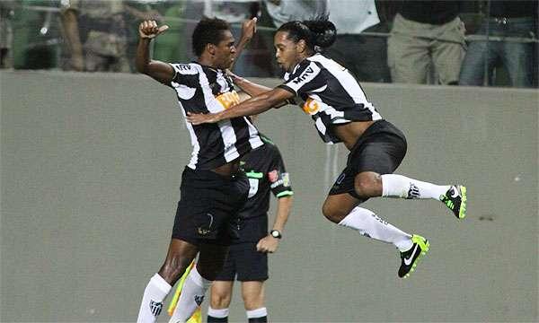 Em noite de Ronaldinho, Galo supera o The Strongest: 2 a 1 (Rodrigo Clemente/EM/D.A Press)