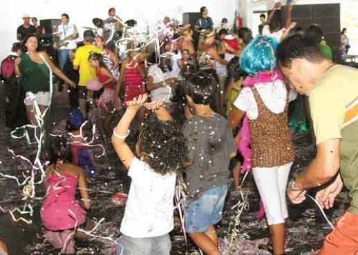 Festas infantis tradicionais de Brasília, como a da AABB (Elio Rizzo/Esp.CB/D.A.Press)