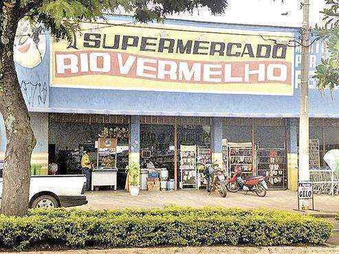 Fachada do Supermercado Rio Vermelho, em Silvânia, interior goiano: faturamento incompatível (Polícia Civil/Divulgação)