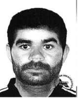Um dos criminosos estava com uma camisa polo com listras laterais e calça jeans (Divulgação PCDF)