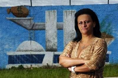 A diretora da escola, Heloísa Moraes, que respondeu sindicância por ter autorizado a pintura do muro com referências negativas ao governo.  (Edilson Rodrigues/CB/D.A Press)