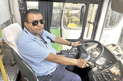 O motorista Leonardo culpa o trânsito caótico pelas condições ruins (Breno Fortes/CB/D.A Press)