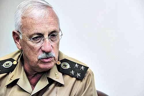 General Joaquim Brandão: empreitada não contabiliza mão de obra (Ana Rayssa/Esp. CB/D.A Press)
